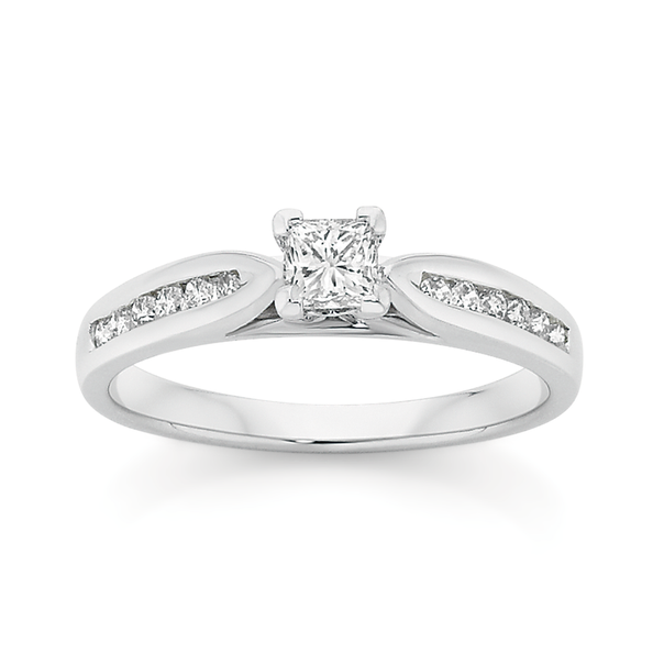 9ct White Gold Diamond Shoulder Solitaire Ring